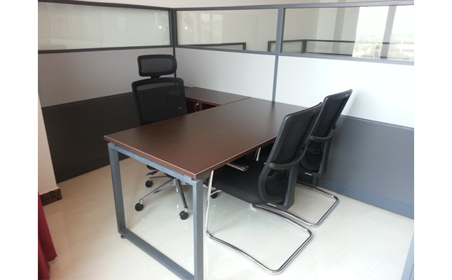 美高办公家具工程案例实景照片 主管区[板式办公桌]